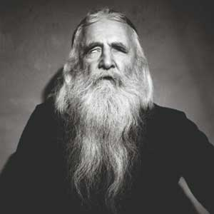 compilation around moondog, including a rare interview of moondog by saul smaizys, made around 1971 in chicago. with joseph racaille, mami chan, pusse, ilitch, norman bambi ...